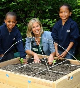 fm09-3813-kelly-meyer-teaching-gardens